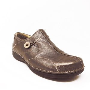 Structured Clarks Gold Tone Metallic Slip-on Shoes